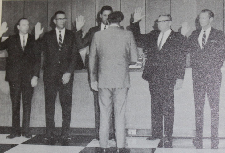 Photo of swearing-in ceremony of the new City Council, November 1969